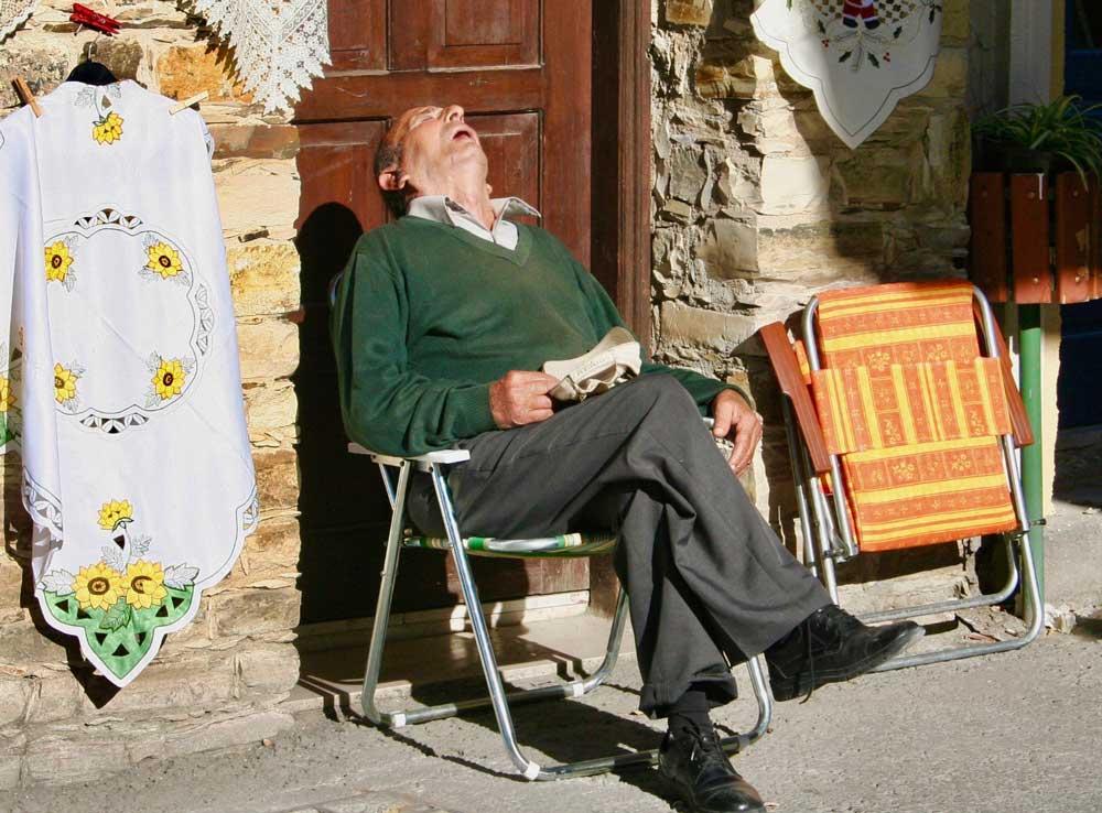 siesta-schlafen-erholung